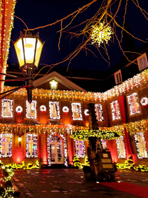 Innenhof Beleuchtung an Weihnachten in der Wolkenburg!
